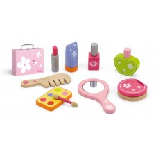 Wooden beauty set with case